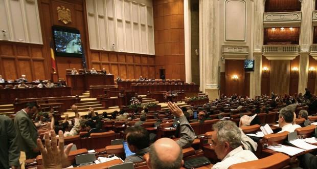 Legea bugetului pe 2018: a fost respins amendamentul prin care autoritatile locale ar fi primit 100% din impozitul pe venit