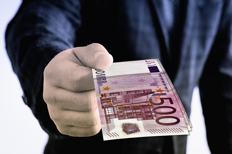 NOI amenzi in aplicarea GDPR date in Romania. 15.000 euro este cea mai mare sanctiune