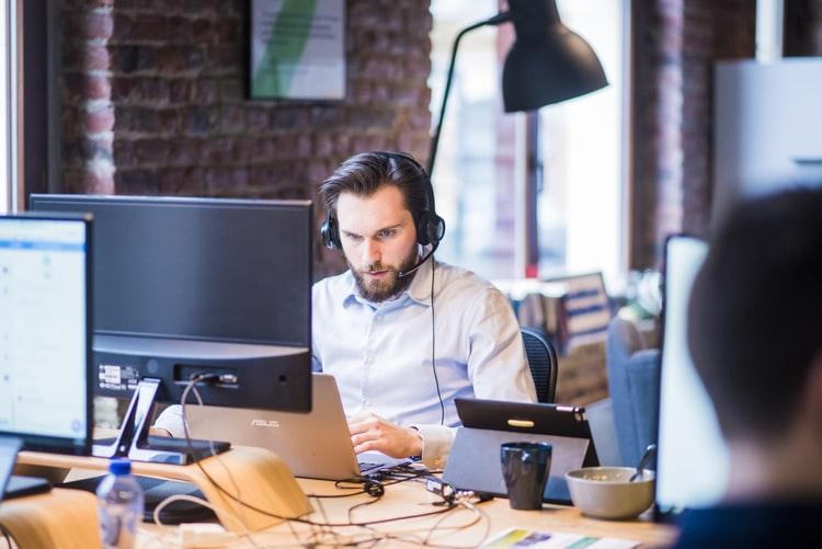 Cum sa gestionezi eficient concediile angajatilor in timpul sarbatorilor majore