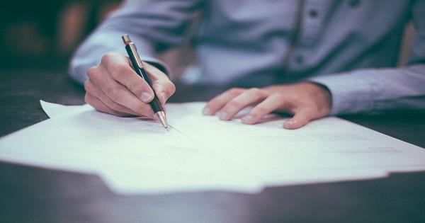Cum iti poate apara interesele un avocat de Drept Comercial