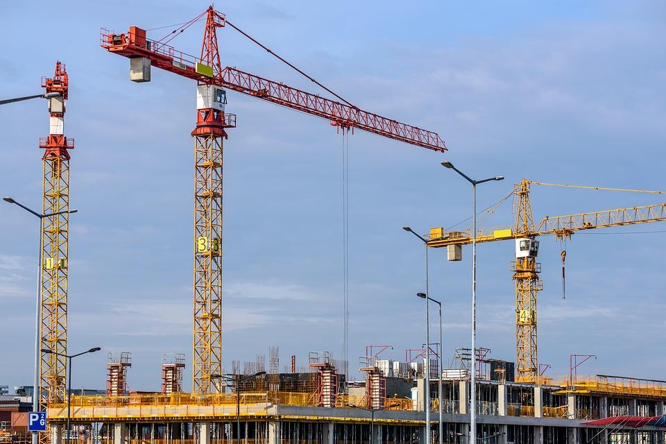 Patronatele din costructii cer sprijinul Guvernului: indemnizatie de 75% din salariul de baza