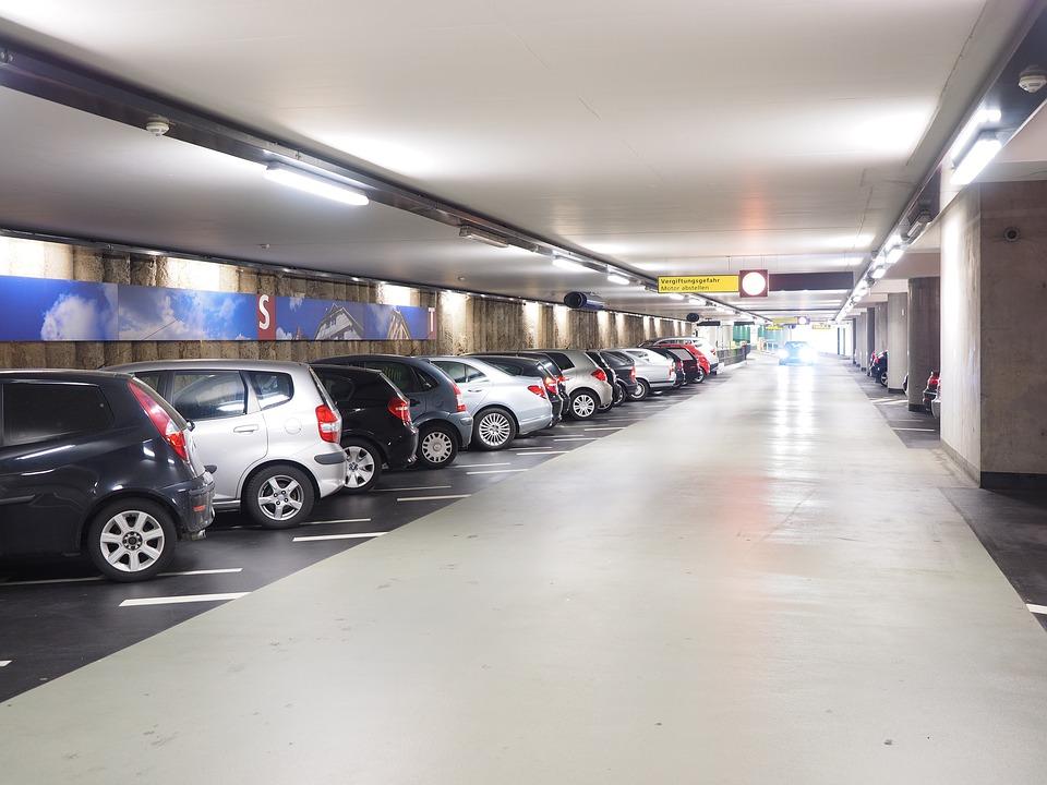 Firmele cu automate in parcari auto nu mai sunt exceptate de la utilizarea caselor de marcat