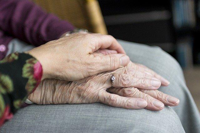 Proiectul de lege care prevede cresterea optionala a varstei de pensionare la 70 de ani, adoptat de Guvern