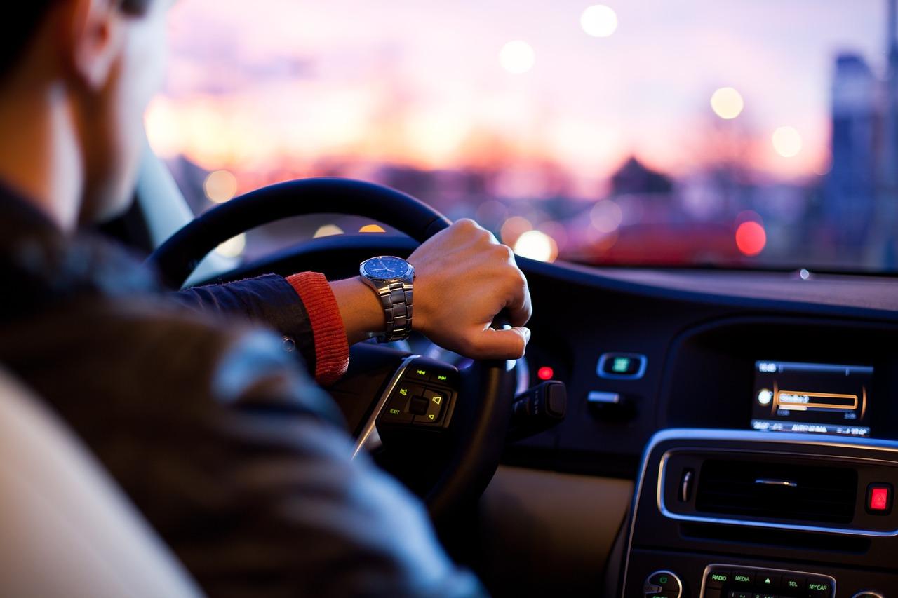 Noi reglementari privind transportul alternativ, in vigoare de la 1 februarie 2020. Restrictii pentru soferii de ridesharing