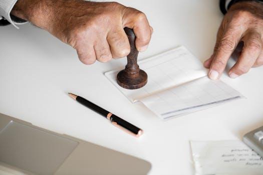 Firmele din Romania ar putea fi protejate prin lege impotriva abuzurilor institutiilor statului